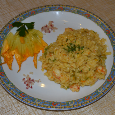 risotto-zafferano-gamberi-fiori-zucca